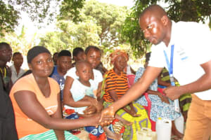 The Water Project: Lungi, Rotifunk, 1 Aminata Lane -  Disease Transmission Demonstration