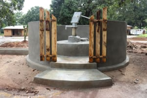 The Water Project: Lungi, Yaliba Village -  Finished Well