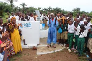 The Water Project: Lungi, Komkanda Memorial Secondary School -  Town Chief Offering Prayer