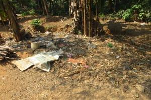 The Water Project: Lokomasama, Gbonkogbonko Village -  Garbage