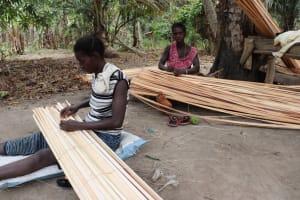 The Water Project: Kamasondo, Masinneh Village -  Women Making Mat
