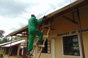 The Water Project: Friends School Ikoli Secondary -  Affixing Gutters