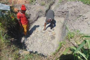 The Water Project: Bukhaywa Community, Shidero Spring -  Foundation Setting