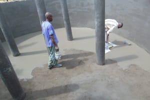 The Water Project: Friends School Ikoli Secondary -  Plastering Tank Interior