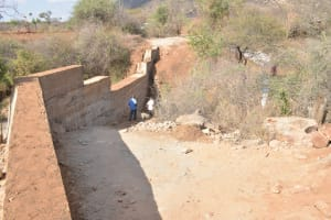 The Water Project: Wamwathi Community -  Final Dam