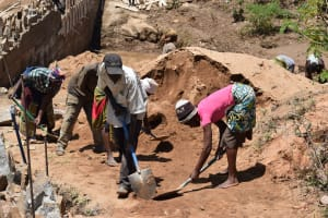 The Water Project: Kyamwao Community -  Digging