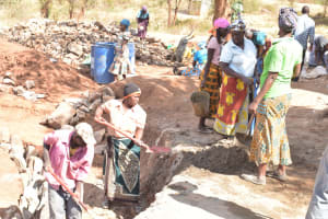 The Water Project: Kangutha Primary School -  Digging