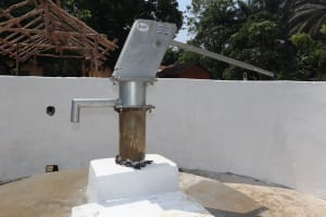 The Water Project: Lungi, Mamankie, DEC Mamankie Primary School -  Finished Well