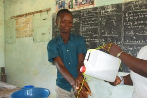 The Water Project: Lungi, Mamankie, DEC Mamankie Primary School -  Handwashing Demonstration