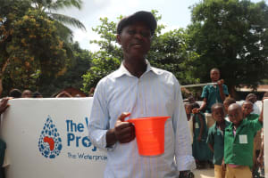 The Water Project: Lungi, Mamankie, DEC Mamankie Primary School -  Head Teacher Making Statement