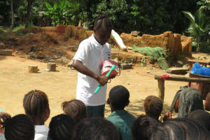 The Water Project: Lungi, Mamankie, DEC Mamankie Primary School -  Student Leads The Toothbrushing Demonstration