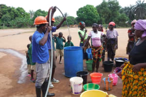 The Water Project: Lungi, Mamankie, DEC Mamankie Primary School -  Yield Test