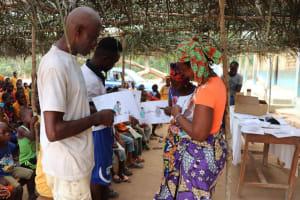 The Water Project: Lokomasama, Gbonkogbonko, Kankalay Primary School -  Diseases Transmission Activity