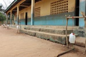 The Water Project: Lokomasama, Gbonkogbonko, Kankalay Primary School -  Tippy Tap