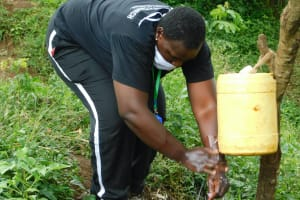 The Water Project: Mungakha Community, Nyanje Spring -  Rinse With Clean Running Water Always
