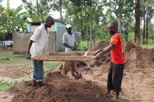 The Water Project: St. Gerald Mayuge Secondary School -  Community Members Sifting Sand For Tank Plaster