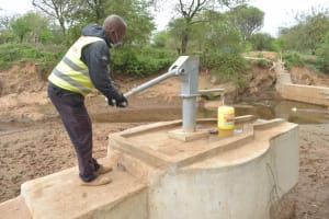 The Water Project: Mbitini Community A -  Pumping The Well