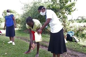The Water Project: Mukhuyu Community, Kwakhalakayi Spring -  Handwashing Demonstration Exercise