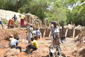 The Water Project: Nzimba Community -  Shg Members Working On The Dam