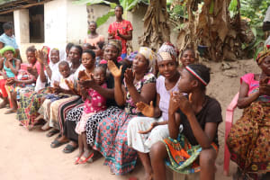 The Water Project: Lungi, Rosint, #26 Old Town Road -  Participants Applaud During The Training
