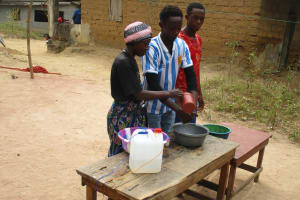 The Water Project: Lungi, Rosint, #26 Old Town Road -  Participants Demonstrate Proper Handwashing