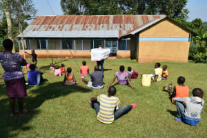 The Water Project: Wamuhila Community, Isabwa Spring -  Use Of Charts At The Training