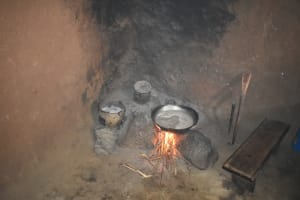 The Water Project: Shianda Township Community, Olingo Spring -  Preparing Lunch