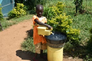 The Water Project: Lunyinya Community, Makunga Spring -  Adding To Water Storage