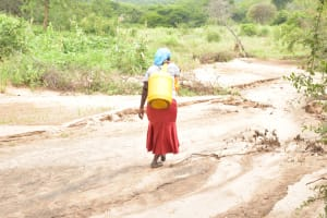 The Water Project: Thona Community A -  Carrying Water