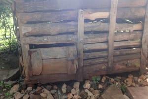 The Water Project: Isanjiro Community, Musambai Spring -  Doghouse