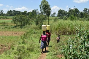 The Water Project: Shianda Commnity, Mukeya Spring -  Carrying Water