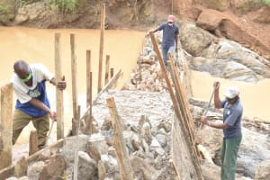 The Water Project: Mbitini Community -  Construction