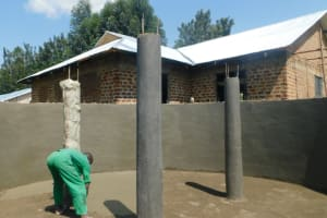 The Water Project: ACK St. Peter's Khabakaya Secondary School -  Plastering Support Pillars