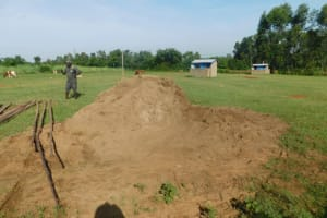 The Water Project: ACK St. Peter's Khabakaya Secondary School -  Sand For Construction