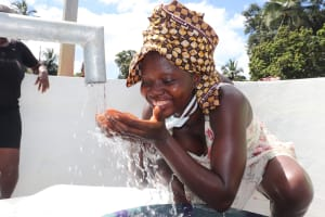 The Water Project: Lungi, Kambia, #6 Bangura St. -  Drinking Clean Water