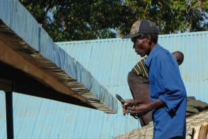 The Water Project: Ivakale Primary School & Community - Rain Tank 1 -  Artisan Fits The Guttering