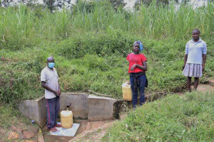 The Water Project: Futsi Fuvili Community, Simeon Shimaka Spring -  Distancing At The Spring