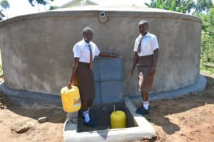 The Water Project: Friends Kisasi Secondary School -  Students Collecting Water