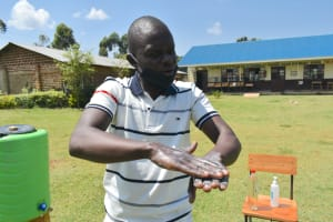 The Water Project: Friends Kisasi Secondary School -  Handwashing Demonstration