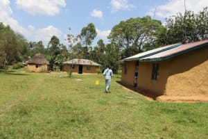 The Water Project: Shivagala Community, Alois Chiedo Spring -  A Homestead