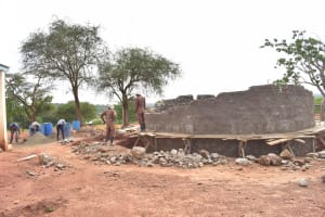 The Water Project: Kamuwongo Primary School -  Building Tank Walls