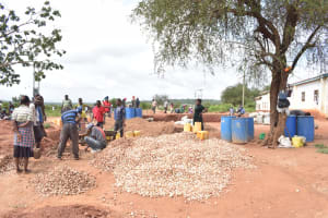 The Water Project: Kamuwongo Primary School -  Tank Construcion