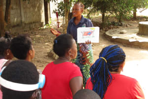 The Water Project: Lungi, New York, Robis, #7 Masata Lane -  Facilitator Discusses Good Hygiene Practices