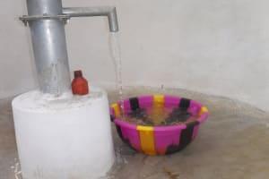 The Water Project: Lokomasama, Gbonkogbonko Village -  Clean Water Flowing