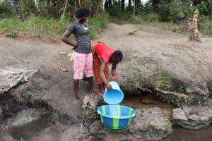 The Water Project: Kamasondo, Masome Village -  Fetching Water