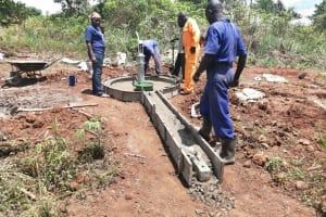 The Water Project: Kinuma Kyarugude Community -  Construction Of The Platforms