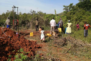 The Water Project: Kinuma Kyarugude Community -  Community Participation During The Drilling