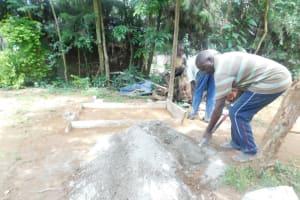 The Water Project: Shianda Township Community, Olingo Spring -  Preparing Cement
