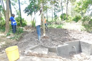 The Water Project: Shianda Township Community, Olingo Spring -  Building A Fence