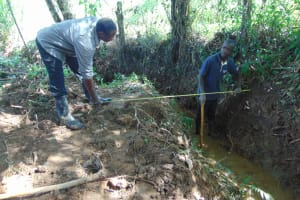 The Water Project: Kimang'eti Community, Kimang'eti Spring -  Site Clearance And Site Measurements